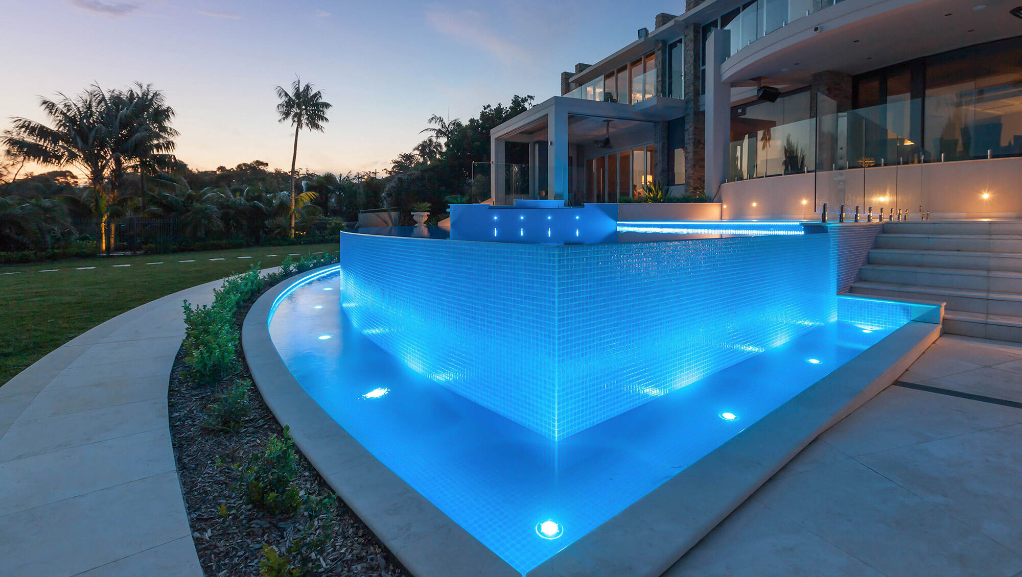 Cronulla New Pool / Infinity Wall / Water Feature